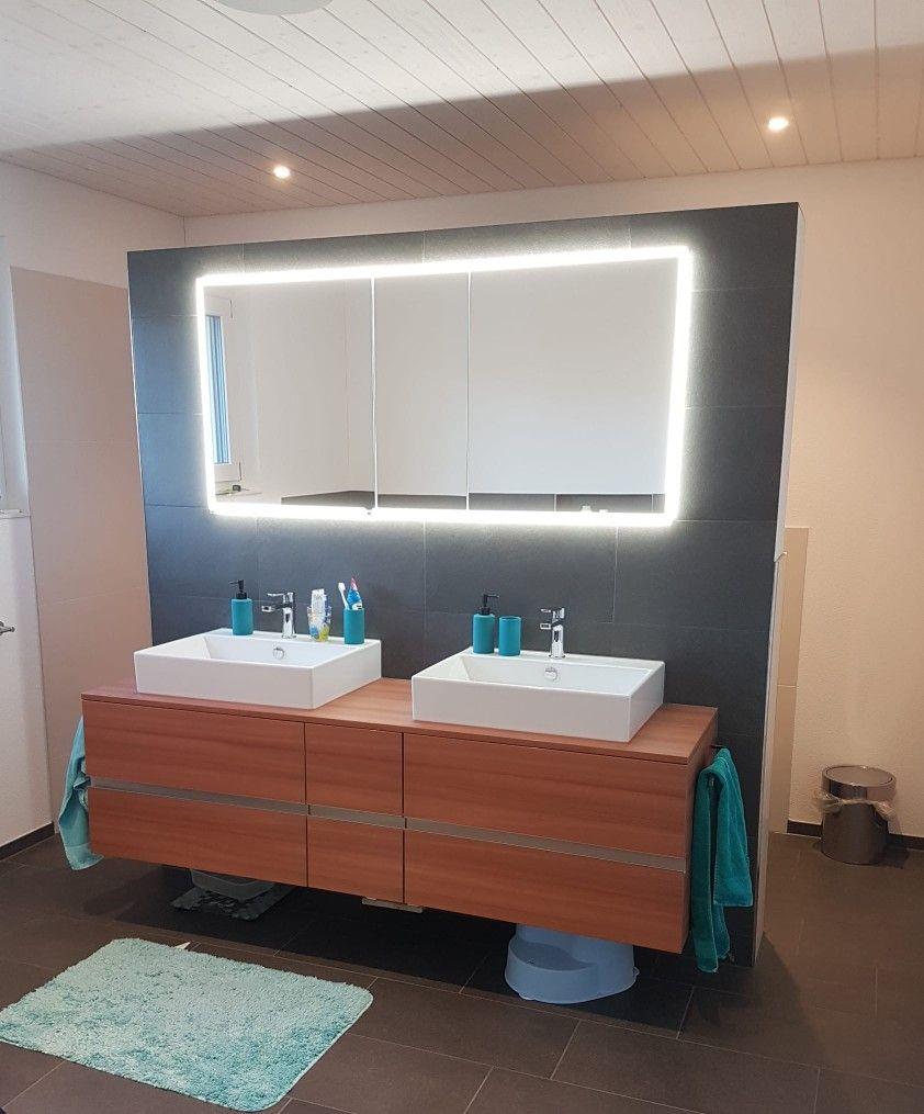 Badezimmer   Badezimmermöbel   Holzmöbel   Fliessen antrazit ...