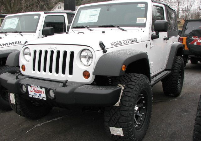 Jeep Jeep Wrangler 2 Door White Automotiveweb Two Door Jeep Wrangler Jeep Wrangler Lifted Dream Cars Jeep