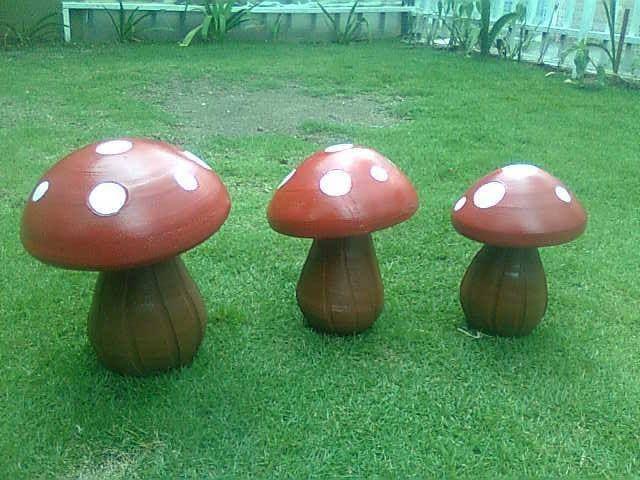 Hongos de ceramica para jardin country pinterest for Hongos en las plantas de jardin