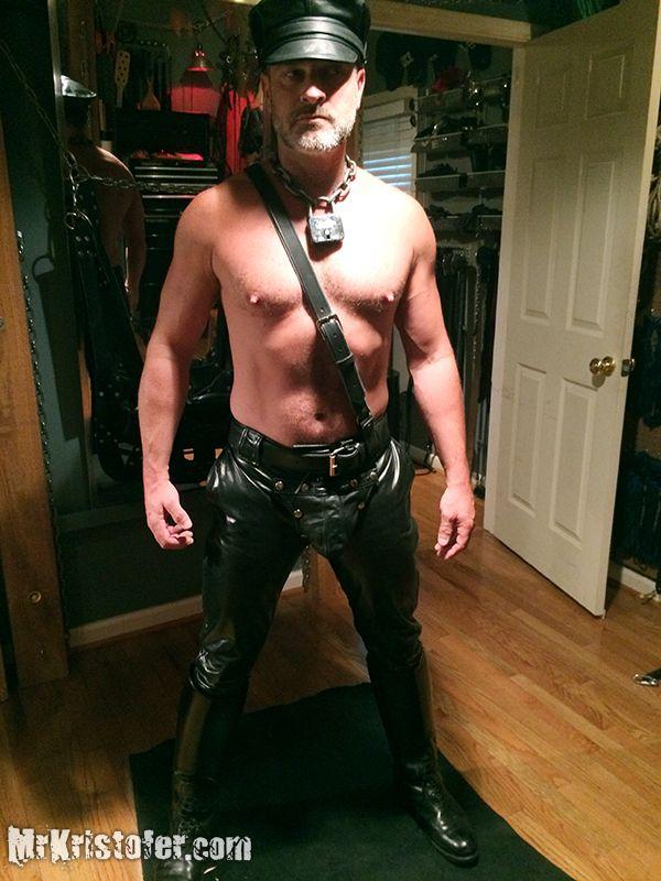 gay-leather-master-dundgeon-realsexvidos