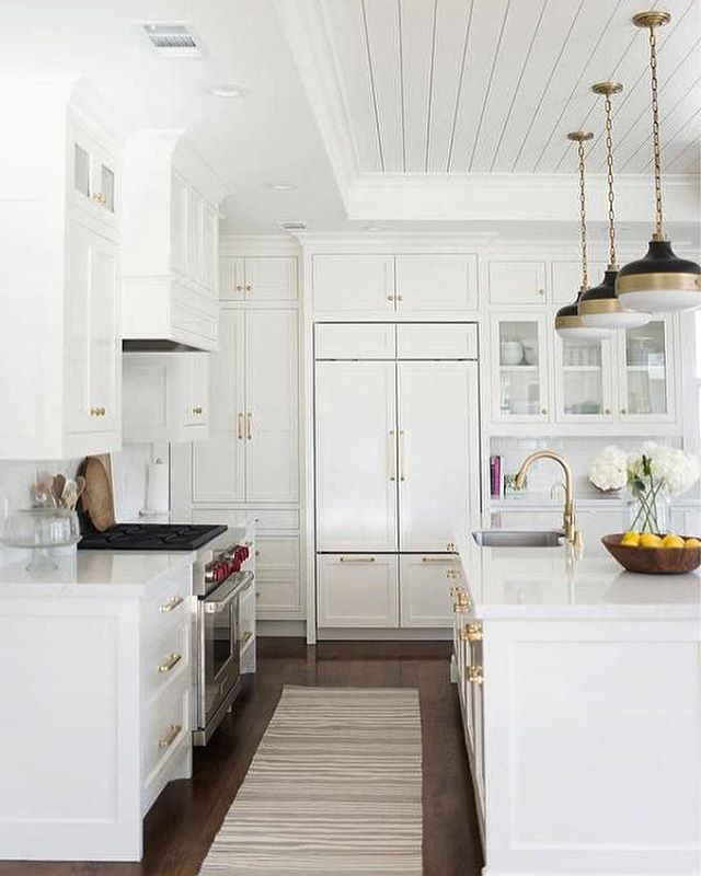Best All White Kitchen With Brass Accents Black Pendant 640 x 480