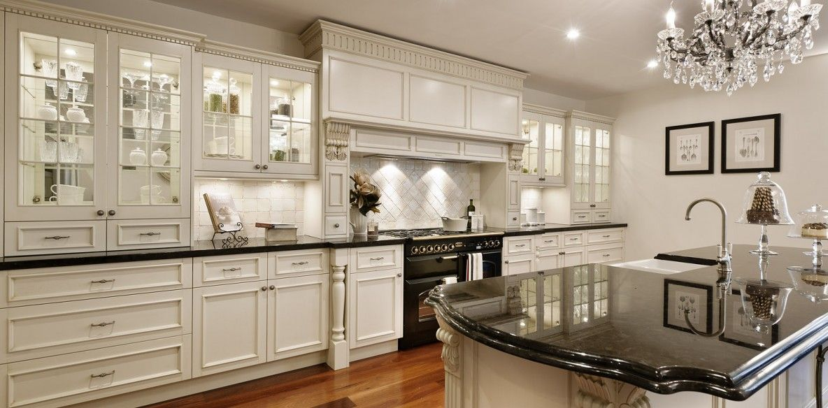 Farmers White Country Style Kitchen   Advanced Cabinetry