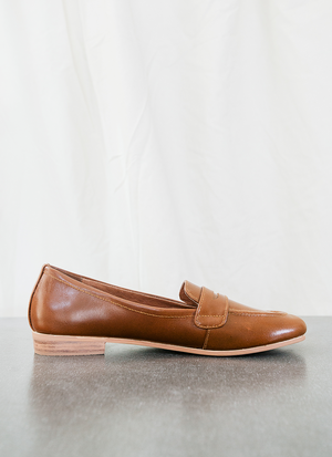 b4d1ac2e247 Pin by andanté on The Penny Loafer