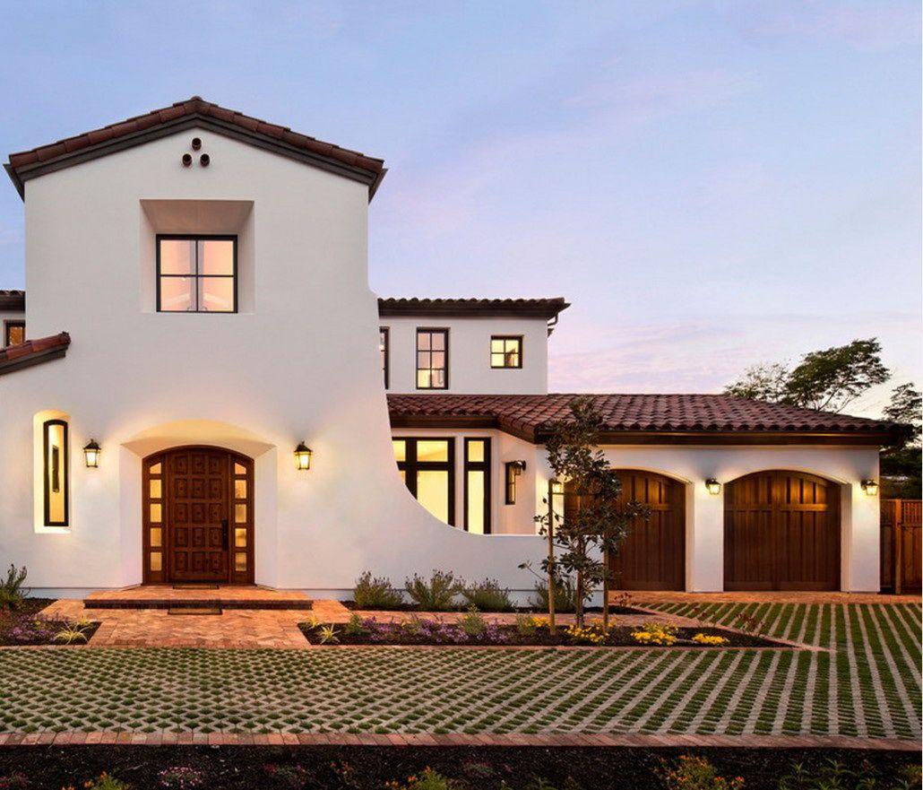 Big Modern House Design With Modern Wooden Garade Doors