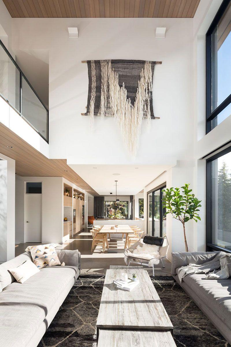 Beautiful Modern House With Fireplace In Ski Resort In Canada Foto Idei Dizajn In 2020 Modern Houses Interior Luxury House Interior Design Beautiful Modern Homes