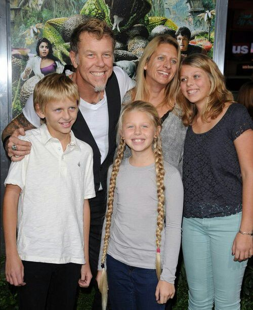 James Hetfield (lead vocal Metallica) with his wife and kids