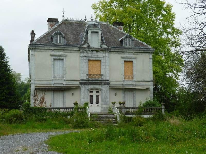 Oloron sainte marie cette spacieuse maison bourgeoise trans maisons pinterest maison - Maison ancienne bourgeoise paris vi ...