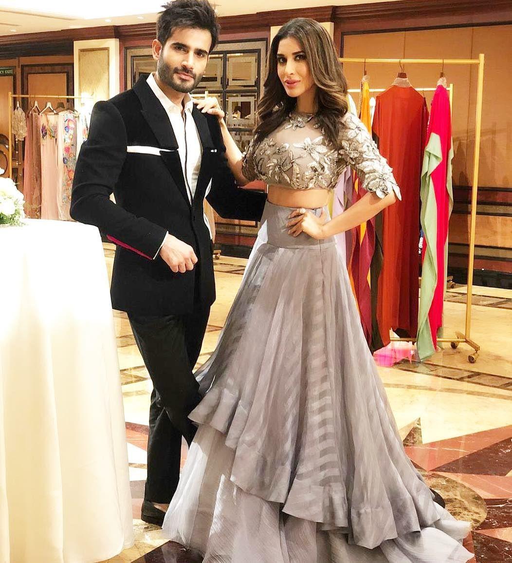 Karantacker Sophiechoudry Fabulous In Manishmalhotralabel Mmalhotraworld Indian Wedding Outfits Bridal Outfits Bridal Dresses [ 1156 x 1052 Pixel ]