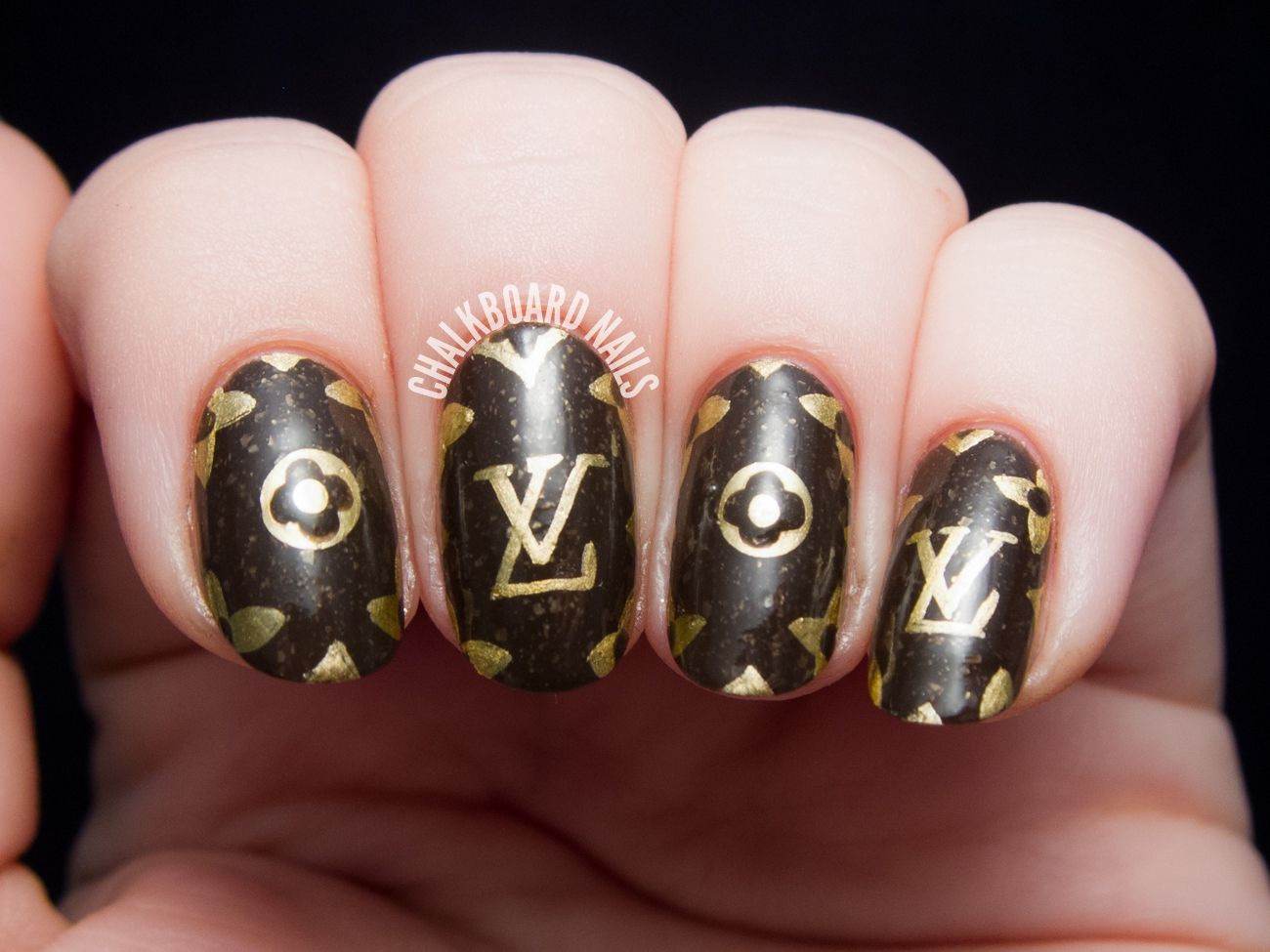 louis-vuitton-freehand-nail-art-1.jpg (1300×975) | My Style ...