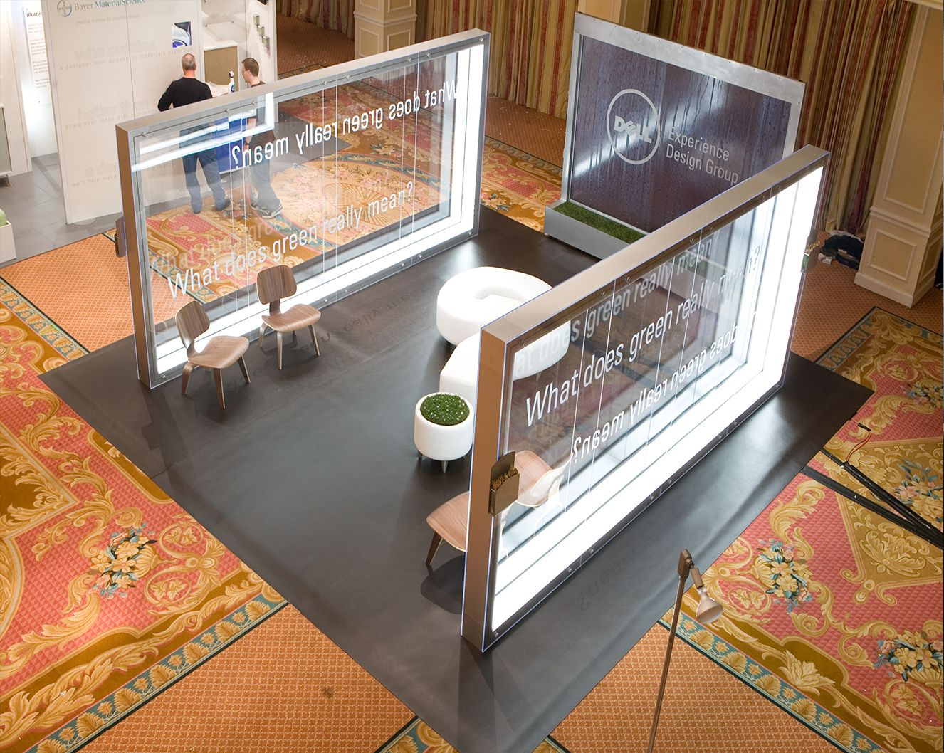 Clear walls define the space without making it feel confined or tiny Thoughtful exhibit design