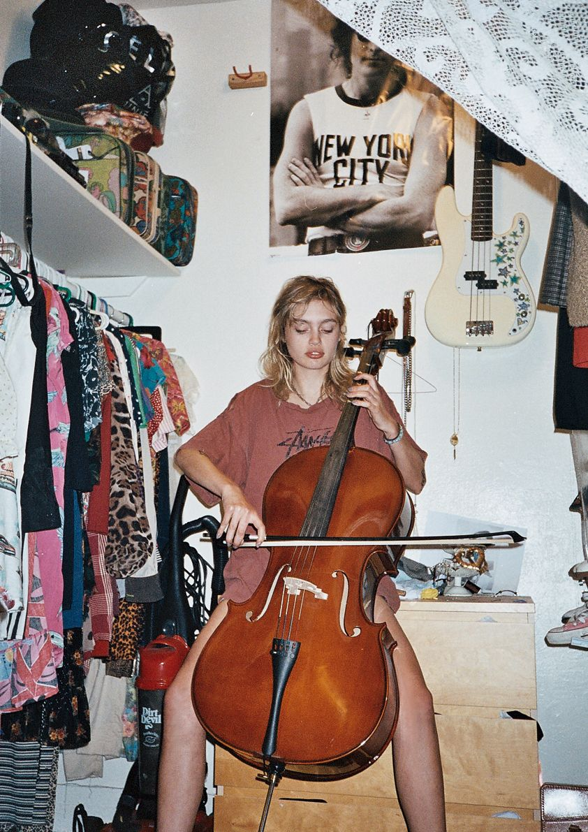 cello    soft grunge and model☯✝  ★♡S☹FT GRUNGE♡★