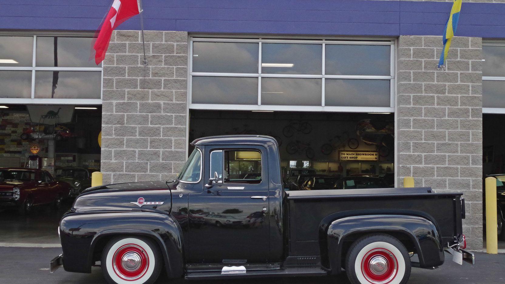 1956 Ford F100 Pickup 302 CI, Automatic Lot S49 Dallas