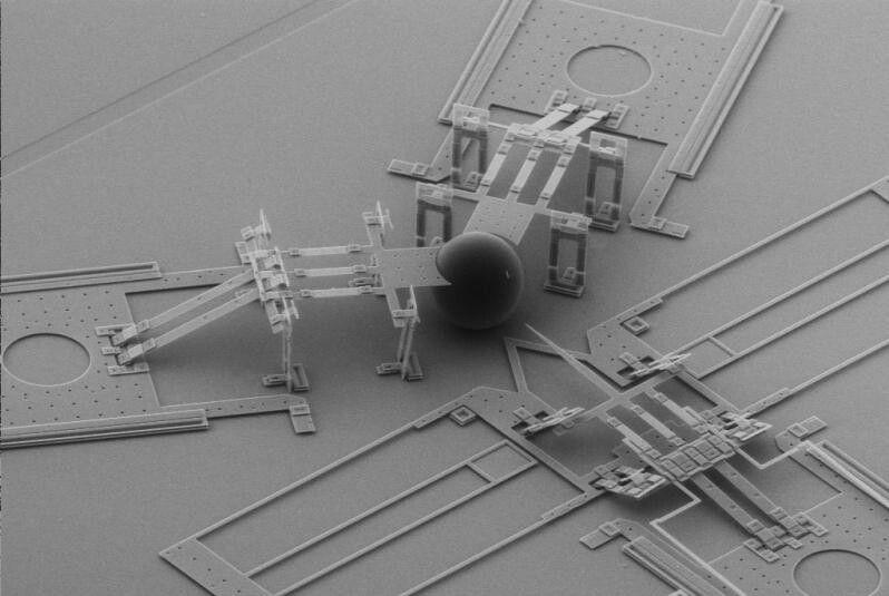 Atom splitting mechanism