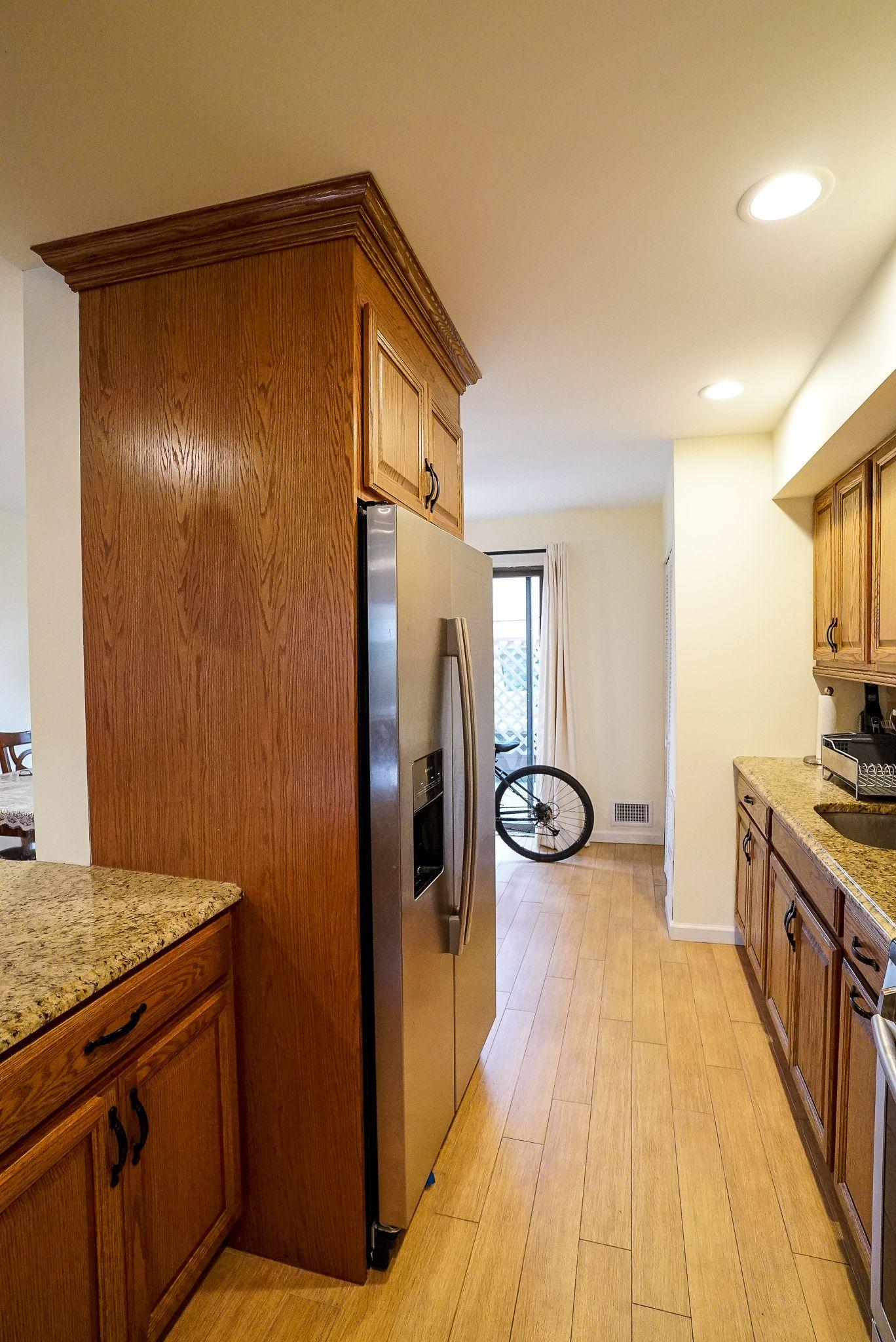 30 Hemlock Court In 2020 Kitchen Kitchen Cabinets Home