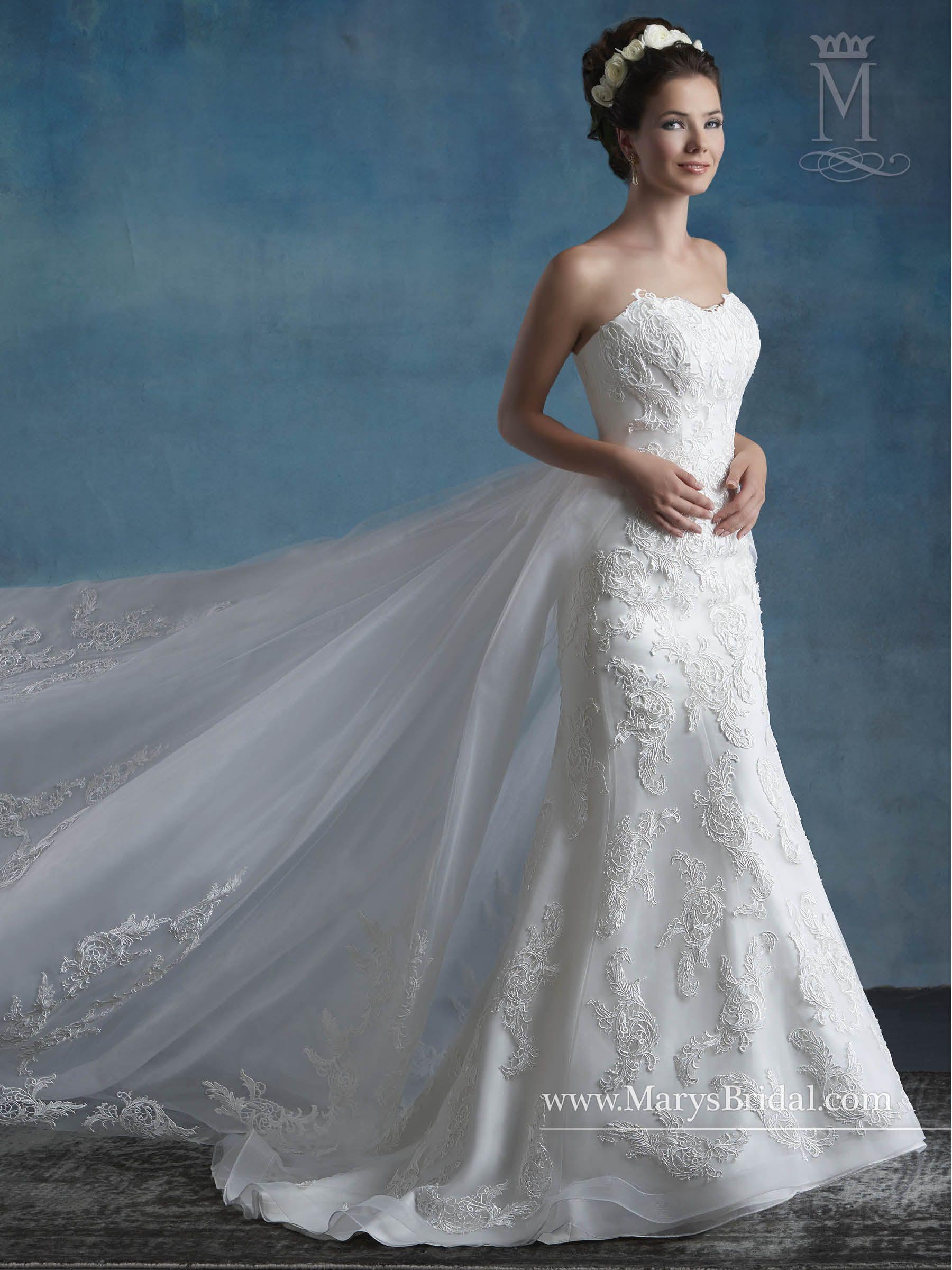 Superb Fit N Flare Wedding Dress   Wedding Photography