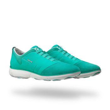 Compra las zapatillas Nebula de mujer en verde. Compra en Geox.com. Devolución fácil y gratis!