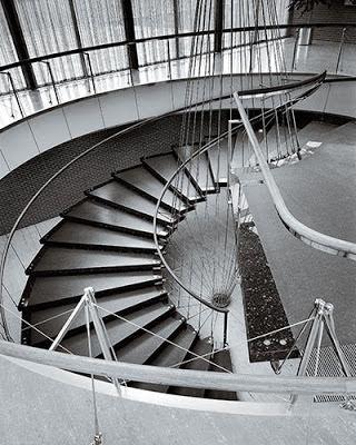 ".bak: ""Floating Staircase"", Eero Saarinen"