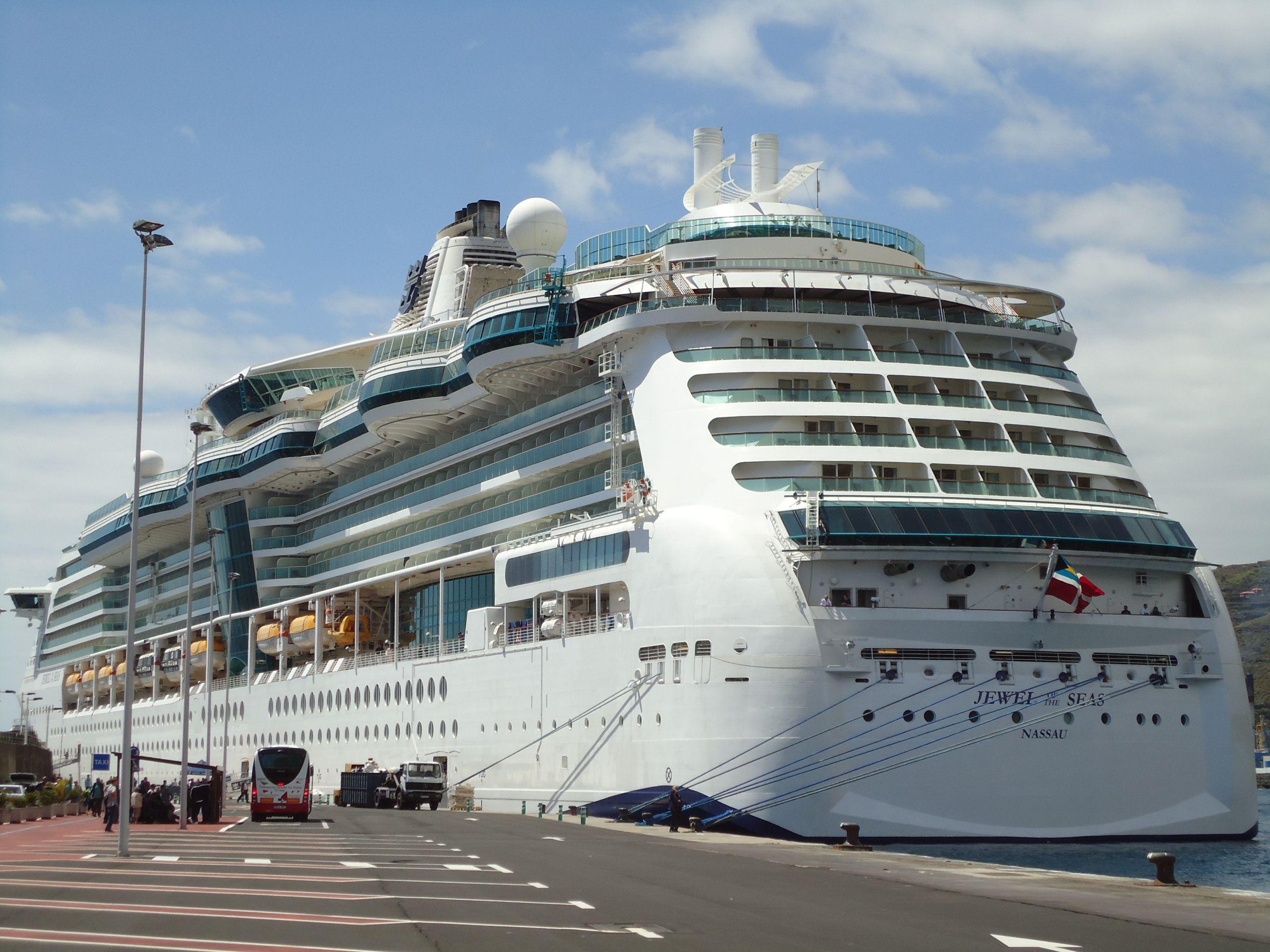 Primera escala del Jewel of the Seas en Santa Cruz de La Palma HUBO CEREMONIA DE METOPAS POR LA OCASIÓN