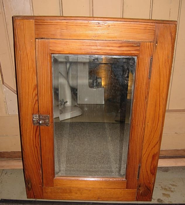 medicine cabinets in old houses | 2562 - Antique Wood Medicine Cabinet - Medicine Cabinets In Old Houses 2562 - Antique Wood Medicine