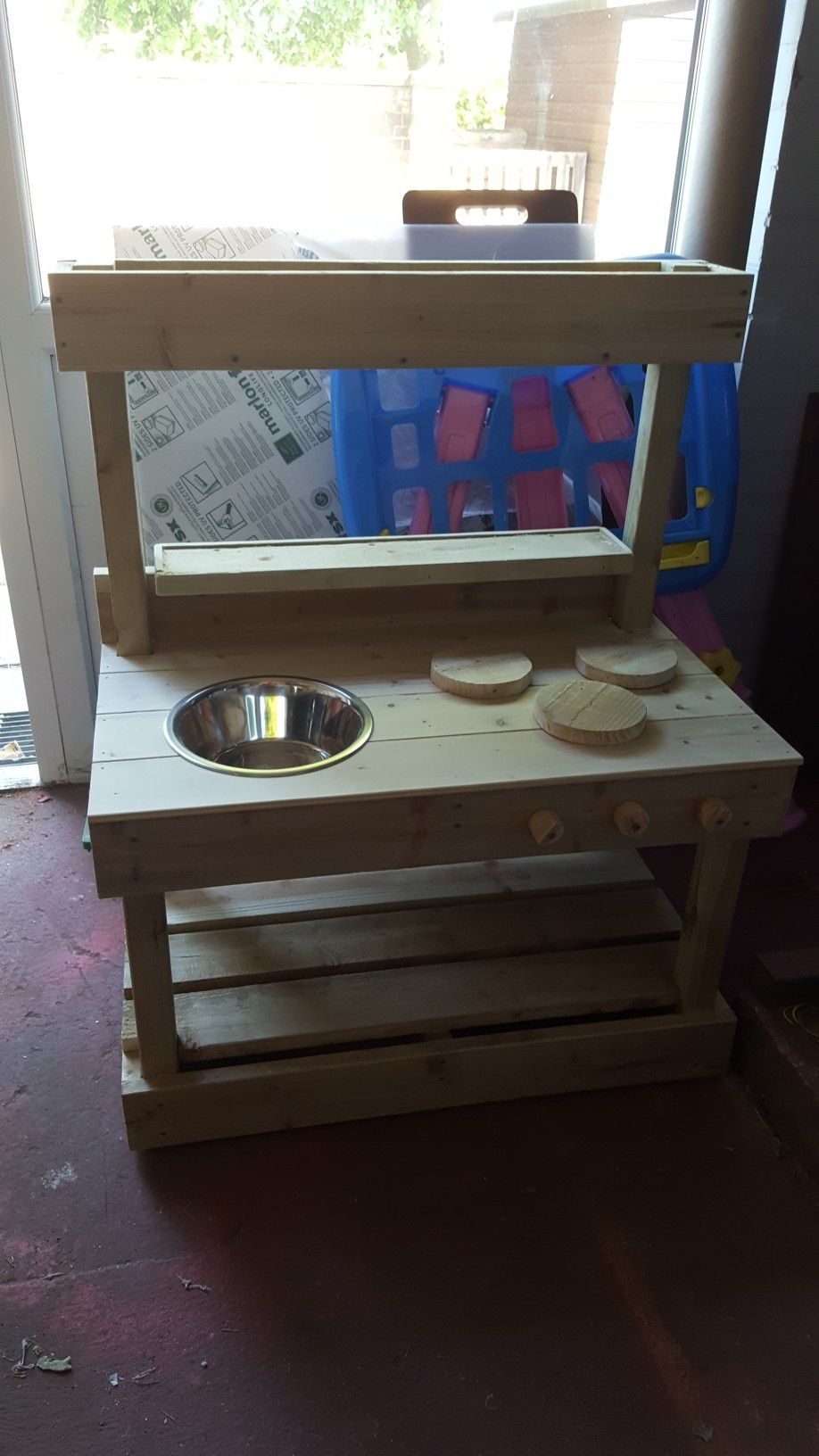 simple mud kitchen with a planter on top mud kitchen woodworking projects toddler crafts on kitchen island ideas kids id=31425