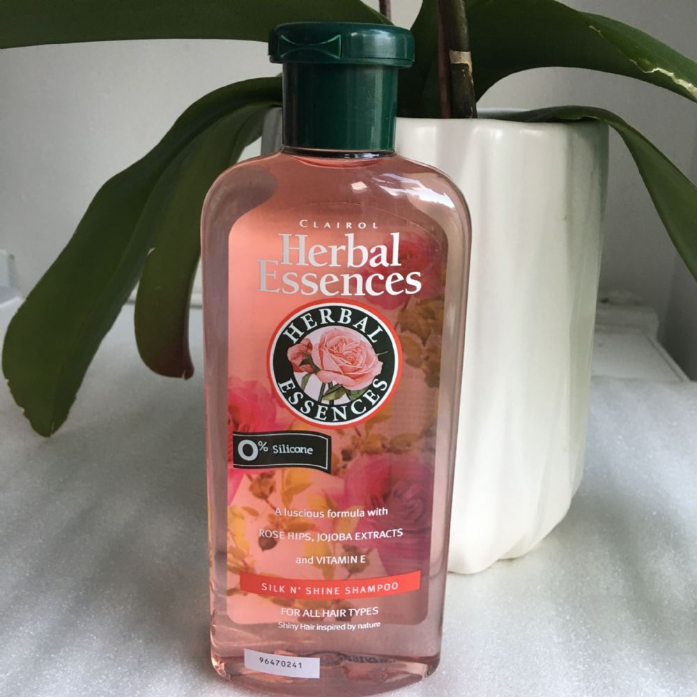 2 Clairol Herbal Essences Silk N' Shine Shampoo Herbal