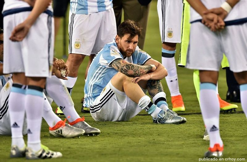 Argentina se derrumba tras 23 años sin títulos