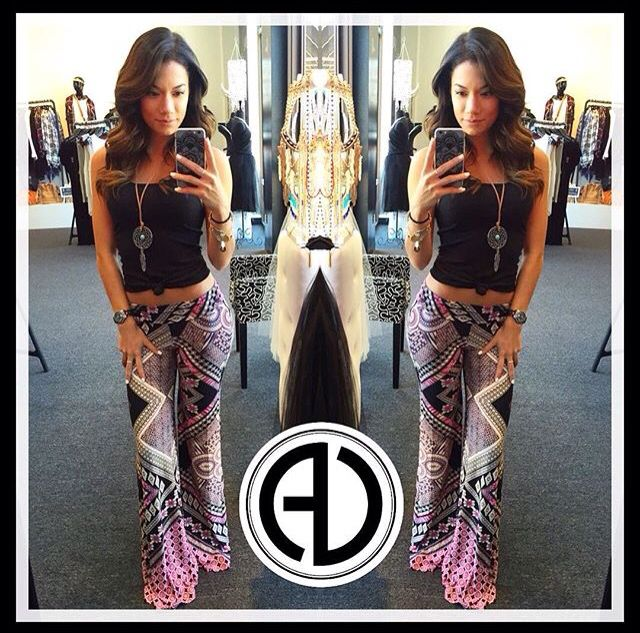 "#OOTD is comfy and especially cute!Search: •Black Basic Ribbed Tank •Multicolor Printed Bell Bottom Pants •Long Dreamcatcher Necklace  USE: code- ""FREESHIP"" for free shipping! SHOP: www.aliciadimichele.com #aliciadimicheleboutique #printpants #bellbottoms #KG"
