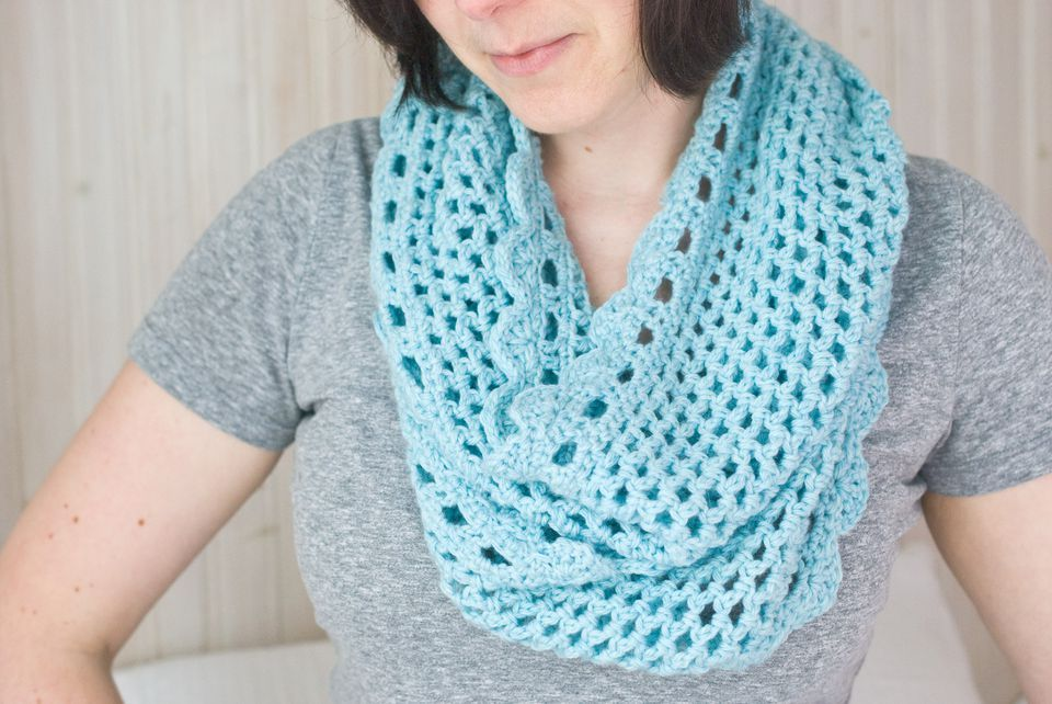 Have Fun With This Crochet Infinity Scarf Free Pattern | Crochet ...