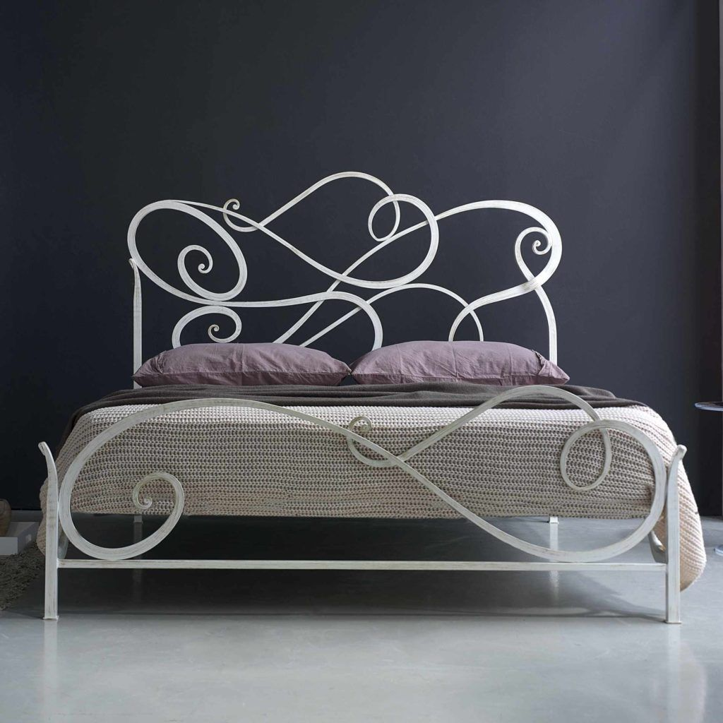 White Wrought Iron Double Bed Frame With Images Iron Bed Frame