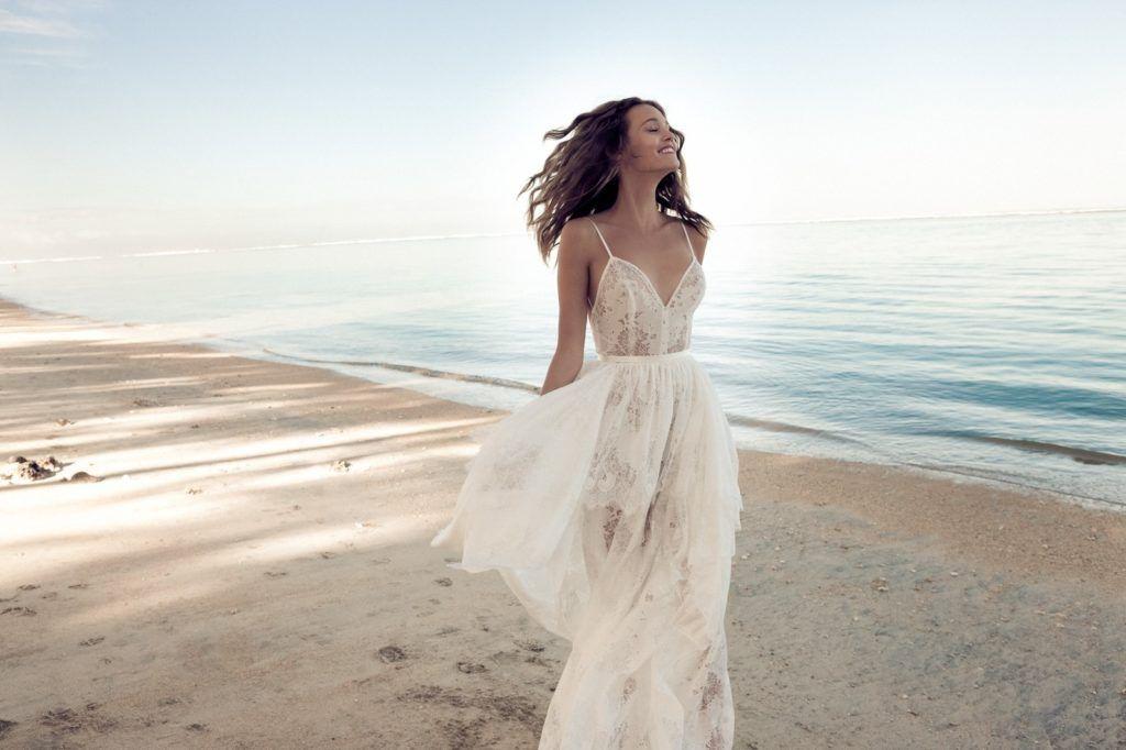 7c8beeb2b3 Daalarna OCEAN,daalarna 2018,esküvői kollekció,esküvői ruhák,benes anita,esküvői  ruha 2018,menyasszonyi ruha 2018,tengerparti esküvő,reunion,szikszai ...