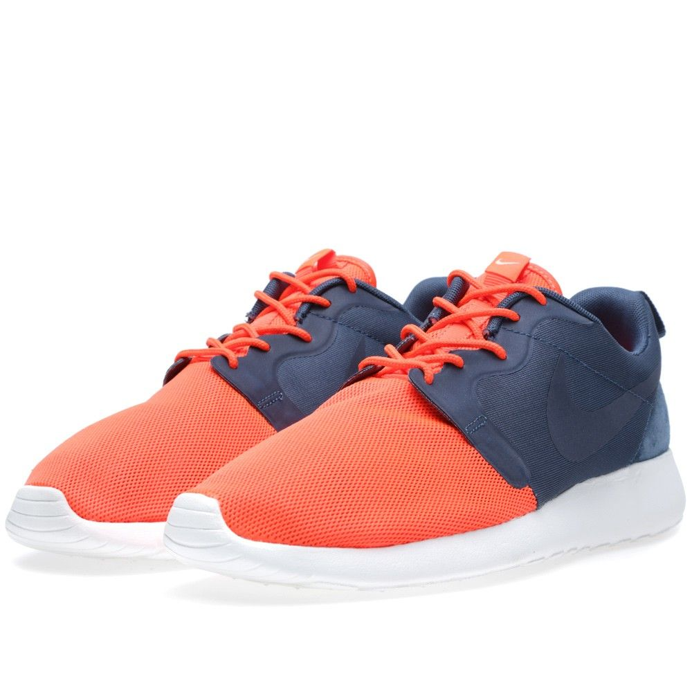new style 8b248 aa91e Nike Rosherun Hyperfuse QS  Vent  (Total Crimson   Squadron Blue)