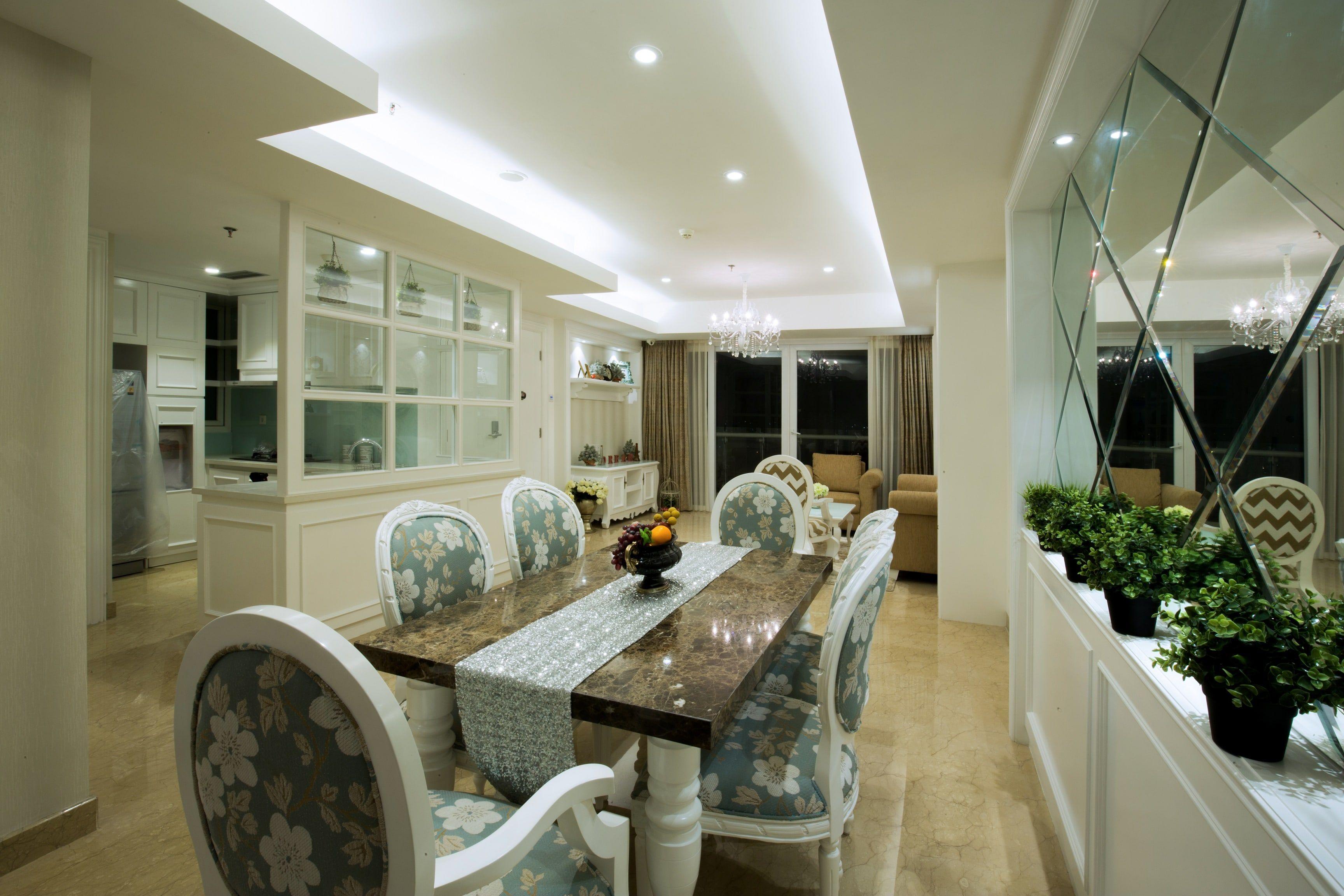 Interior Ruang Makan Mewah