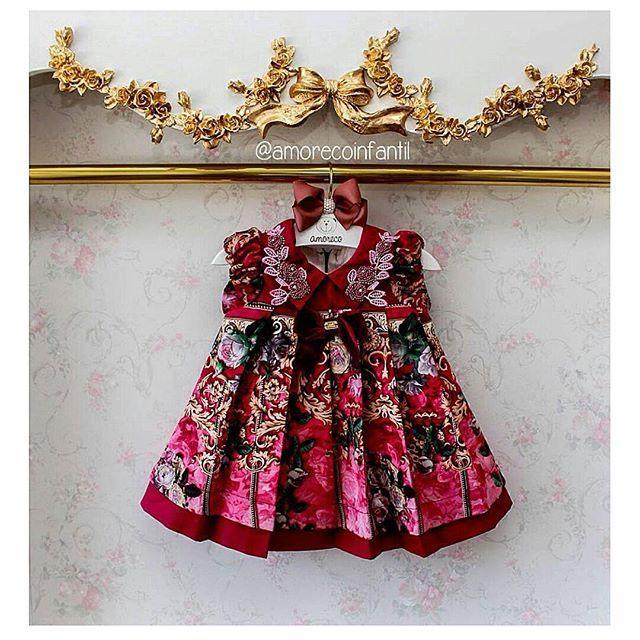 Pára tudo com esse luxo de vestido #anjodagua❤❤Amamos mto tudo issooooo!!! Queremos quando? Queremos agoraaaa! Rsrsrsrs... Enviamos para todo o Brasil e Exterior ✈✈ Vendas online : WhatsApp 62 8101 2323 WhatsApp 62 8202 2296 WhatsApp 62 96392888 #amorecoinfantil #Amor #love #look  #littlebaby #instalike #littlegirl #Rosa  #roanaacessorios #fofura #fashion  #temqueter #tiara #handband #renda  #miobebe #miobebe #monsucre #Dress  #luxo #fashionista #vestidos #feitocomamor