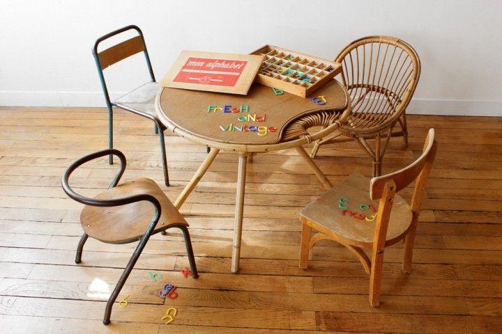 Ambiance enfant rotin et 4 chaises vintage fauteuil rotin chaise