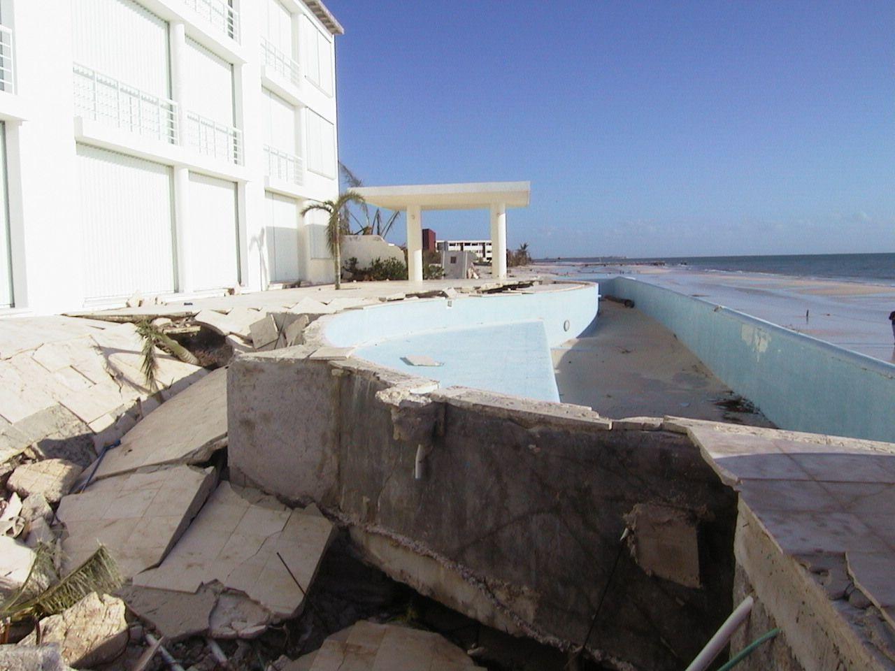 Hurricaine Wilma Aug 2005 Puerto Morelos Yucatan Photos Wilma Made Several Landfalls With The Most Destr Hurricane Wilma Riviera Maya Resorts Puerto Morelos