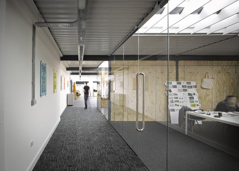 Liverpool Warehouse Converted Into Offices By Snook Architects Interieur Moderne Decoration Bureau Interieur De Bureau