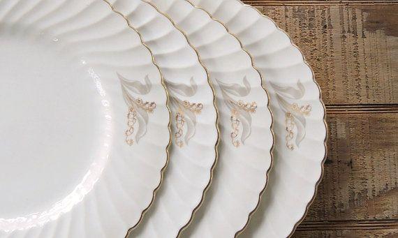 Vintage Syracuse Glory Dinner Plates Set of 4 by RosebudsOriginals