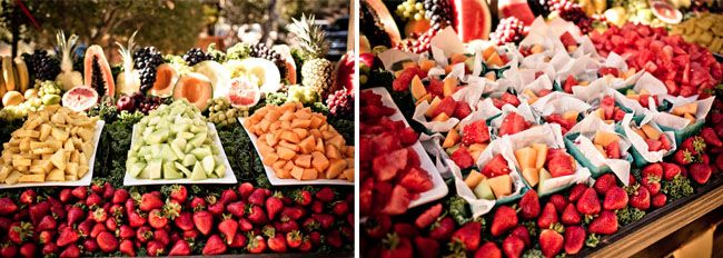 farmers market fruit stand | Photography: Burnt Exposure