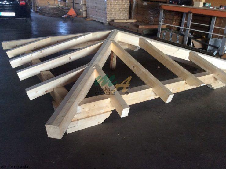 Fabricaci n de p rgola de madera 4 aguas maderas miguel for Tejados de madera a 4 aguas