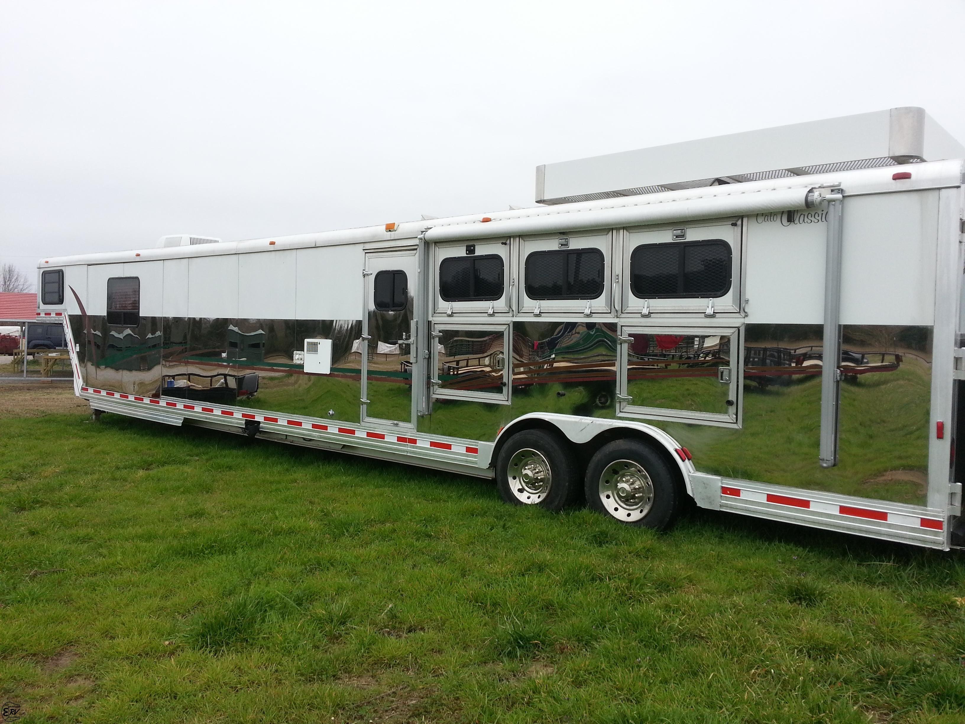 2004 cato classic 4 horse living quarter horse trailer