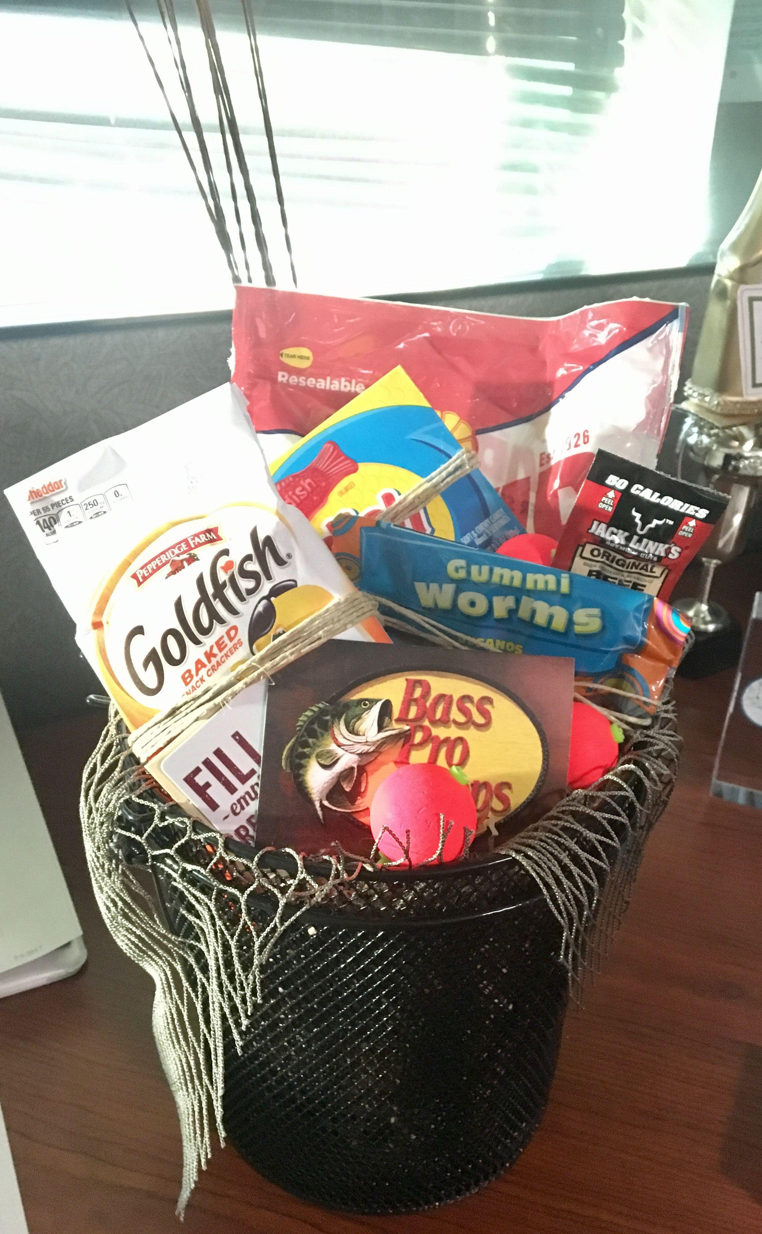 Boss's Day Gift: Reel good boss - Fishing themed gift basket #boyfriendgiftbasket