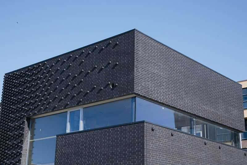 Schwarzer Klinker röben klinker bricks brick design wohnhaus in amsterdam nl