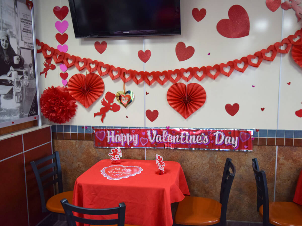 Best Valentine Decoration Ideas For The Restaurant In 2020 Valentine Decorations Valentines Day Decorations Valentine Restaurant,How Much Does It Cost To Paint A Brick House Exterior
