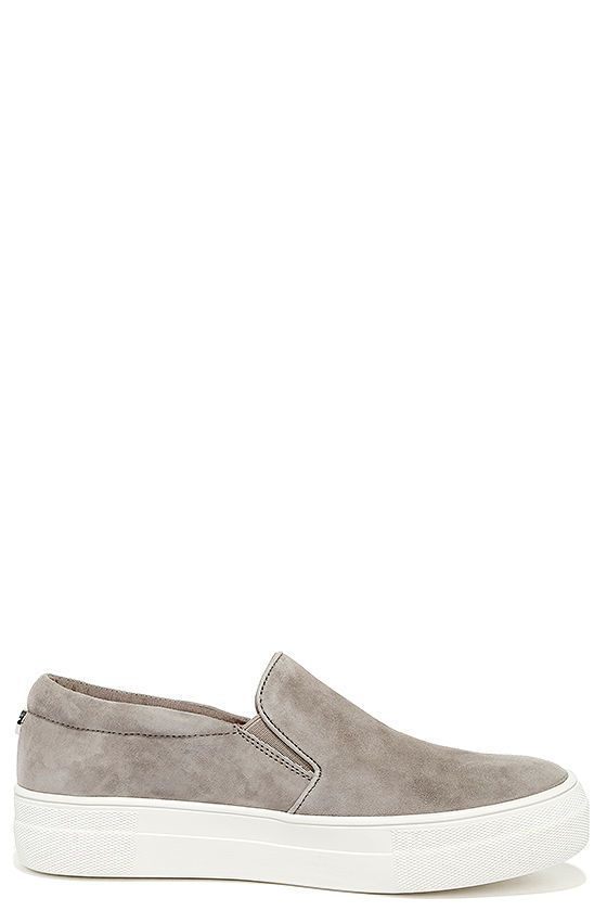 b31743ae751 There s nothing quite like the excitement of stepping out in your new Steve  Madden Gills Grey Suede Leather Flatform Sneakers! Perfectly soft genuine  suede ...