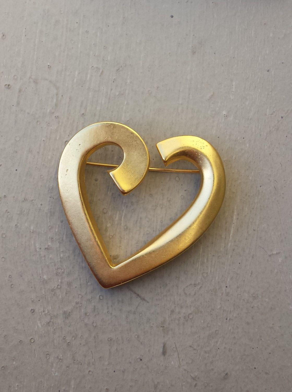 3061e90450c Gold Heart Brooch Scarf Lapel Pin, Stylized Modern Gold Heart Brooch Scarf  Pin, Valentine Heart Jewelry, Valentine's Day Brooch Jewelry Pin by ...