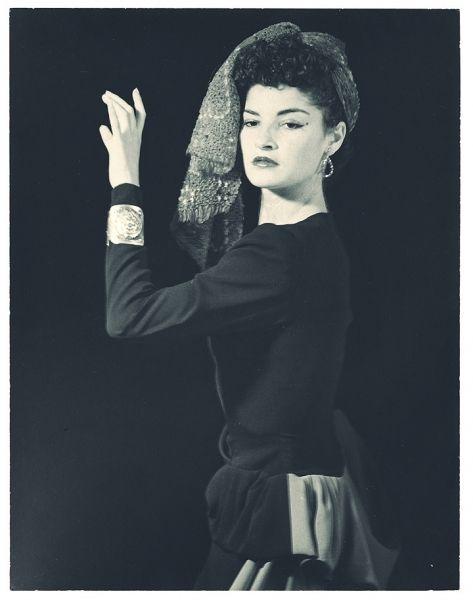 Juliet Browner, Man Ray c.1941-1955    http://www.rockcellarmagazine.com/2011/07/29/muses-of-paris/