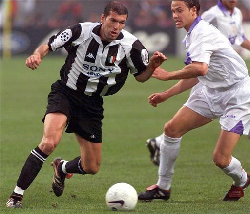Zidane during Juventus v Real Madrid Champions League Final 1998