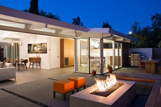 Dwell - Indoor-Outdoor Home by a Midcentury Master Gets a Faithful Update