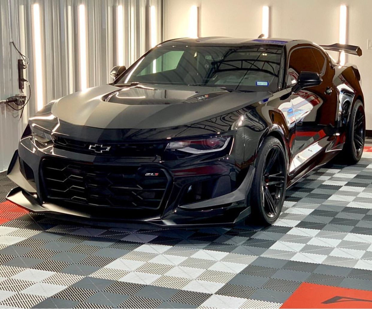 Chevrolet Camaro Zl1 1le Painted In Black Photo Taken By