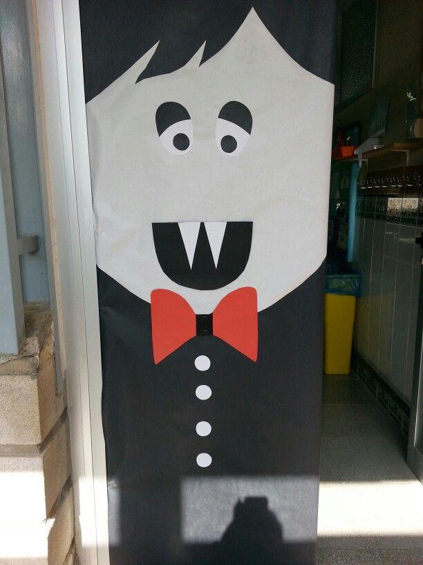 Vampiro decoraci n puertas para cole pinterest for Puertas decoradas halloween calabaza
